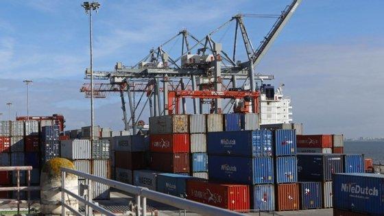 """Governo diz que o plano irá colocar Portugal, """"definitivamente, numa rota de convergência real com os nossos parceiros da União Europeia""""."""