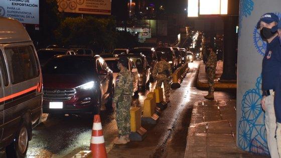 Fronteiras terrestres entre o Brasil e o Paraguai encerraram durante a pandemia