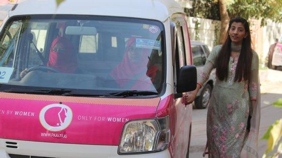 O presidente da cooperativa sublinhou que, num país machista, em que a profissão de taxista é normalmente reservada aos homens, as mulheres passam a ter a oportunidade de exercer estaatividadeem segurança