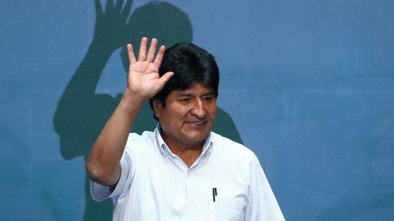 O ex-Presidente boliviano tem-se mantido comodiretorde campanha do partido, mas à distância, a partir da Argentina, sem ser sequer candidato a deputado, pela primeira vez em três décadas