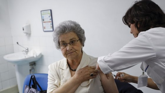 Os utentes com 65 e mais anos foram os mais vacinados, com 11.361 vacinas gratuitas