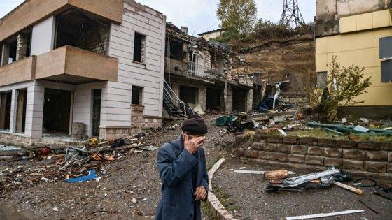 O conflito no território do Nagorno-Karabakh já fez mais de 30 mil mortos desde a queda da União Soviética