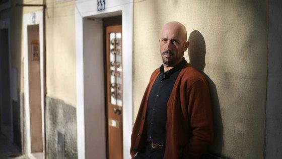 O mais recente trabalho de Vasco Araújo pode ser visto na Escola das Artes, no Porto, até janeiro de 2021