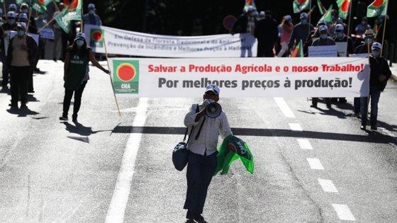 Durante a tarde, uma delegação da CNA foi recebida na residência oficial do primeiro-ministro, António Costa, e pela comissão parlamentar de Agricultura e Mar