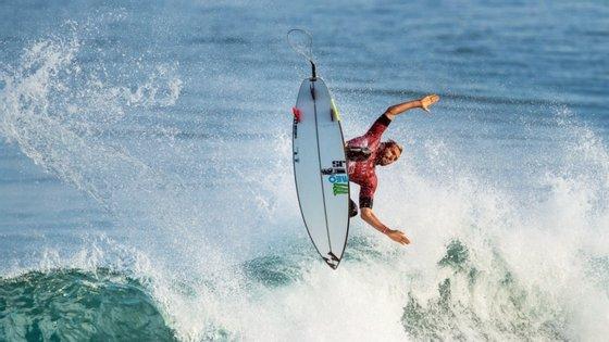 """""""Kikas'"""" é o único surfista luso a disputar o circuito mundial da modalidade"""