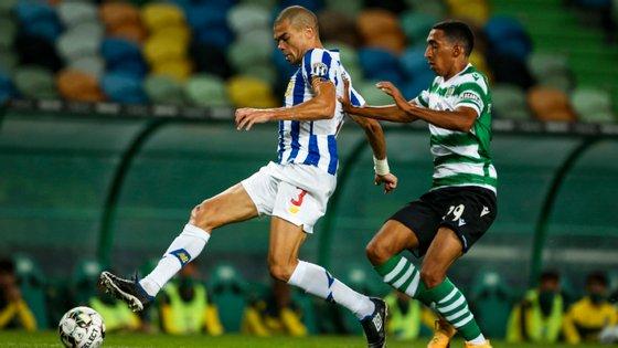 O central português assumiu a braçadeira de capitão na sequência da saída de Danilo para o PSG