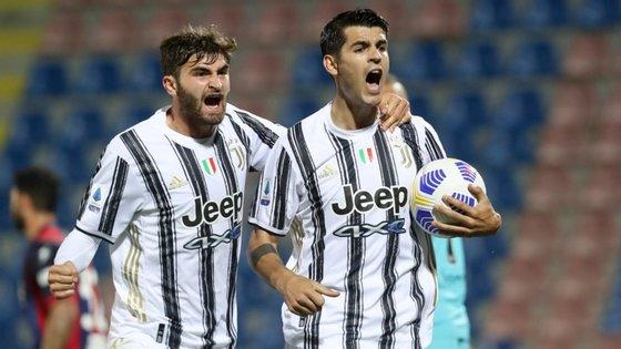Morata, uma das contratações de peso para o ataque, marcou pela Juventus; Chiesa, a outra, assistiu mas viu vermelho direto aos 60'