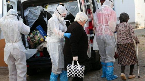 Seis estão internados em enfermaria e um está na Unidade de Cuidados Intensivos Polivalente