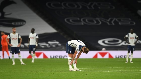 Harry Kane marcou dois golos, fez uma assistência, atirou uma bola ao poste mas acabou vergado a um empate quando o jogo estava controlado