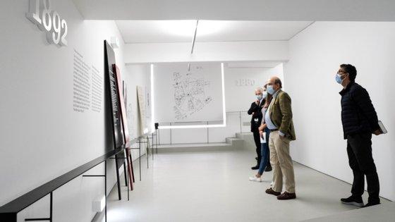 A exposição pode ser vista no museu da Fundação Cupertino Miranda a partir desta segunda-feira. O preço dos bilhetes é de 5 euros