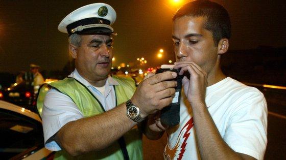 Multas serão diferenciadas. Conduzir com álcool será mais penalizado