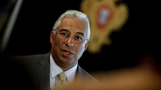 """O presidente da Câmara de Lisboa acredita que """"a ninguém é moralmente permitido dispor do 1º de Dezembro com ligeireza"""""""