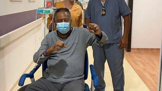 Pelé encontra-se em recuperação no Hospital Albert Einstein, em São Paulo