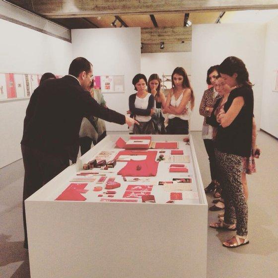 Un Outre Livre Rouge. Por Lourdes Castro e Manuel Zimbro