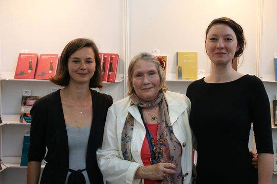Ao centro a principal tradutora literatura portuguesa: Marie Havlíková