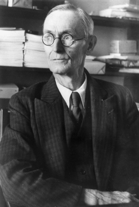 circa 1945: German born poet, essayist and Nobel Prizewinner for Literature in 1946 Hermann Hesse (1877 - 1962). Hesse became a Swiss citizen in 1923. (Photo by Keystone/Getty Images)