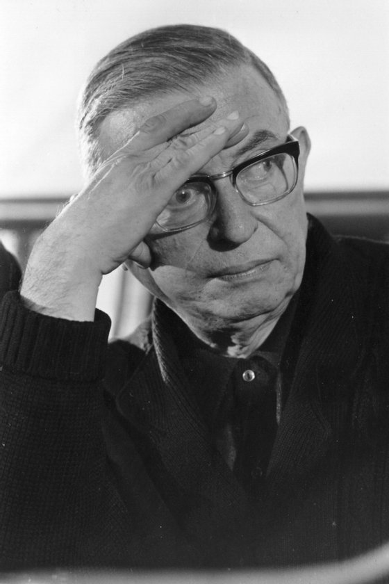 1st December 1969: French writer and existentialist philosopher Jean-Paul Sartre pauses for thought during a speech in Paris on Vietnam War crimes. (Photo by Reg Lancaster/Express/Getty Images)