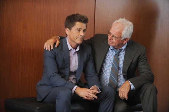 """THE GRINDER: L-R: Rob Lowe and William Devane in the """"Heroes Reborn"""" episode of THE GRINDER airing Tuesday, Oct. 6 (8:30-9:00 PM ET/PT) on FOX. ©2015 Fox Broadcasting Co. Cr: Ray Mickshaw/FOX"""