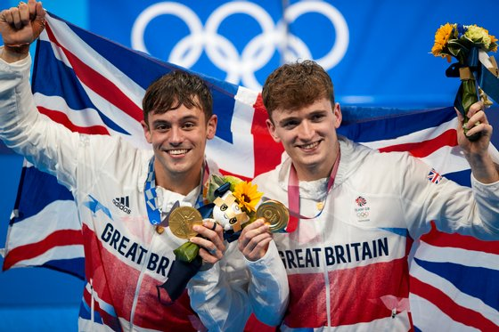 Diving - Men's Synchronised 10m Platform Final - Olympics - Day 3