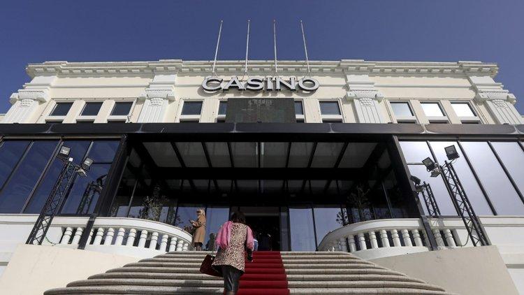 Resultado de imagem para Prémio Literário Casino da Póvoa tem onze livros finalistas de onze poetas